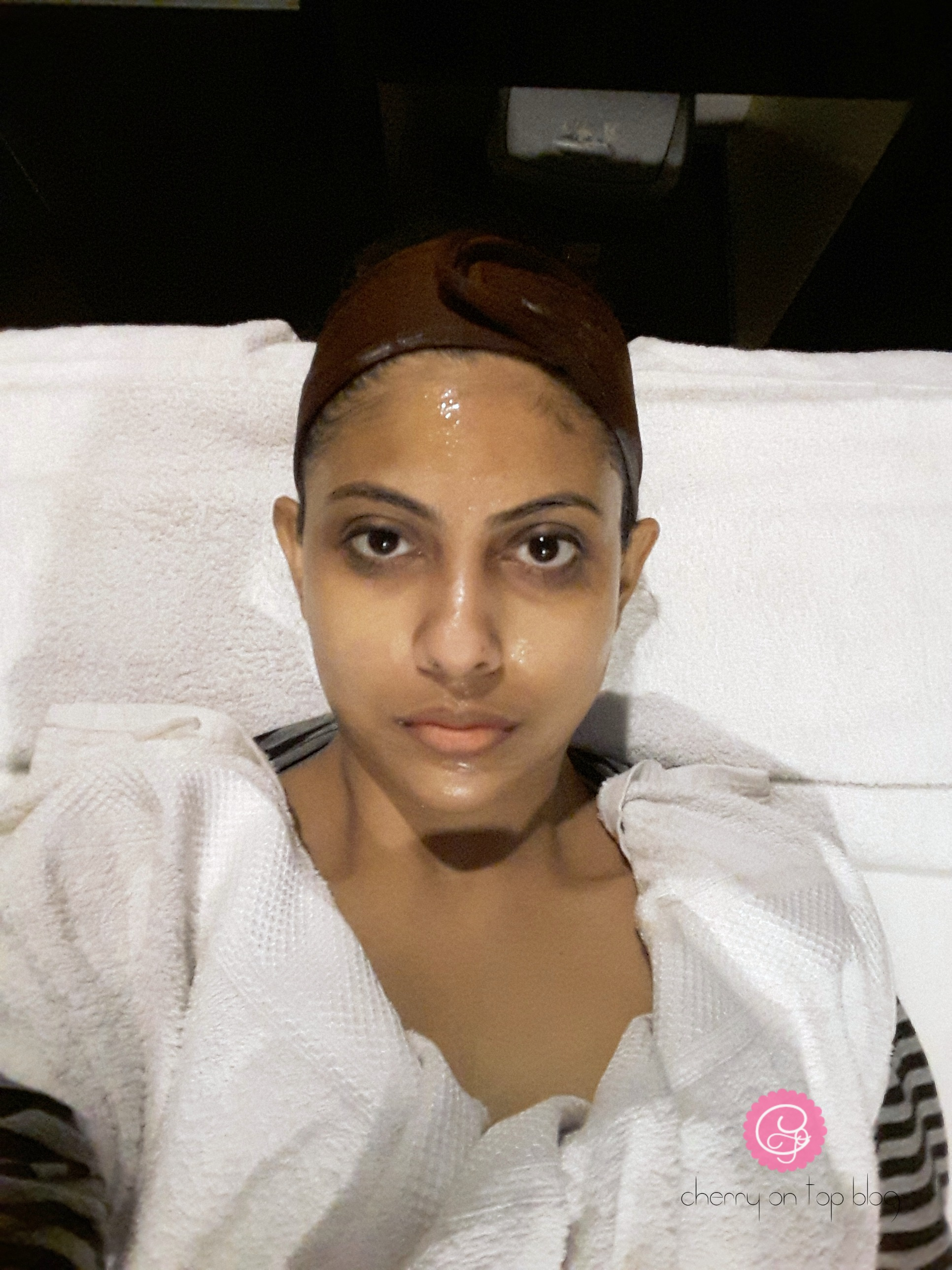 Club Salon Shine & Glow Facial Review| cherryontopblog.com