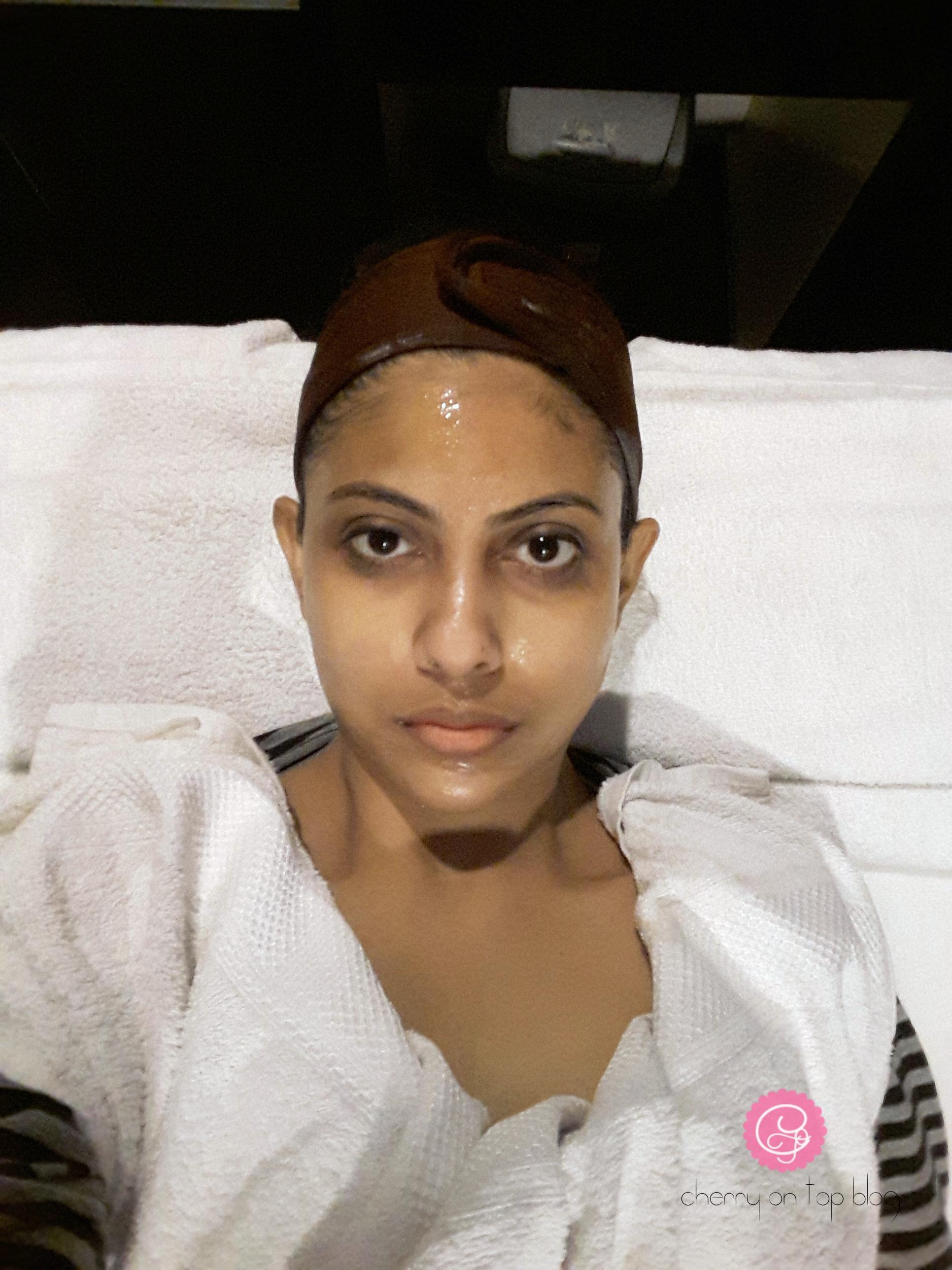 Club Salon Shine & Glow Facial Review| cherryontopblog.com