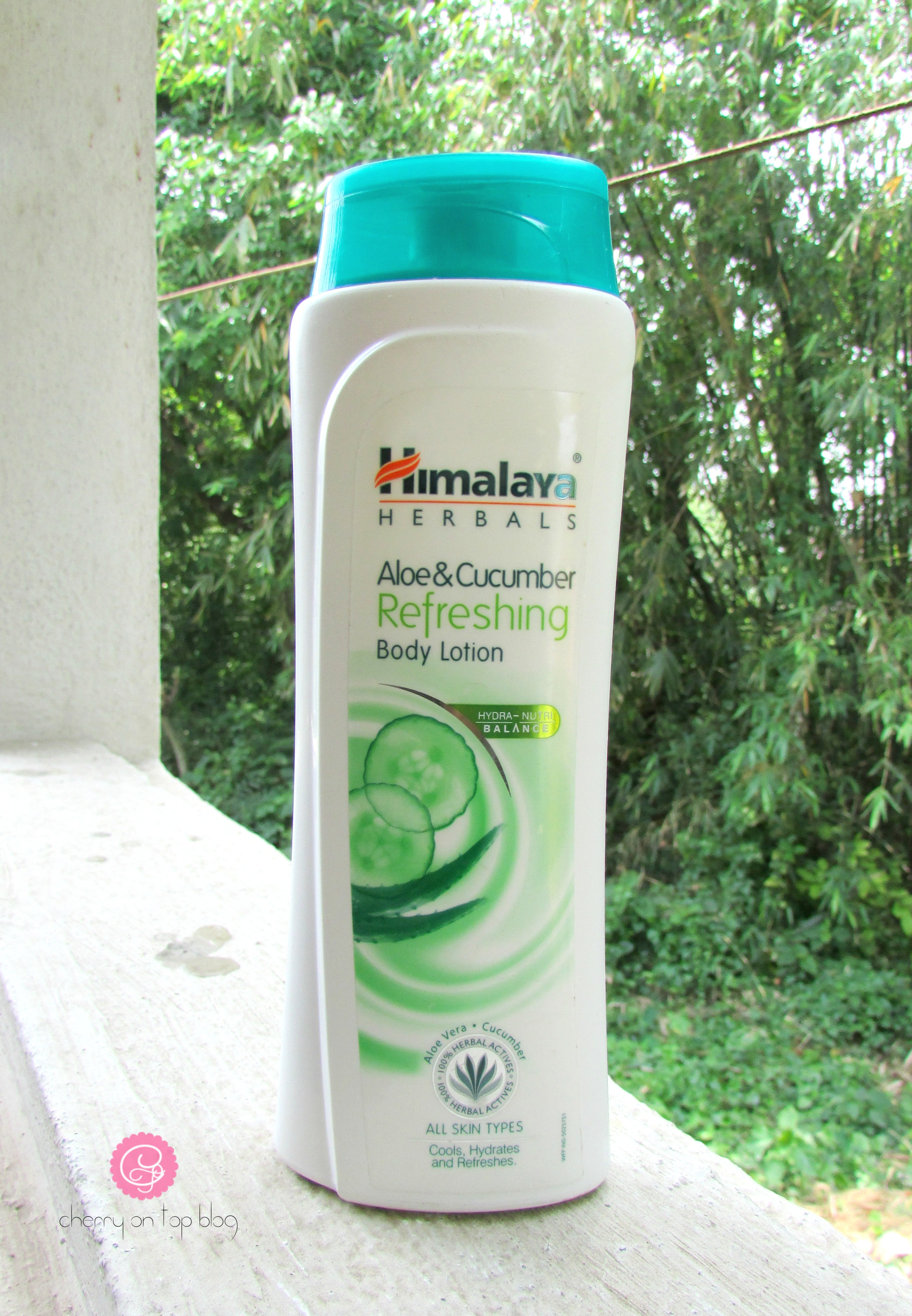 Himalaya Herbals Aloe & Cucumber Refreshing Body Lotion Review| cherryontopblog.com