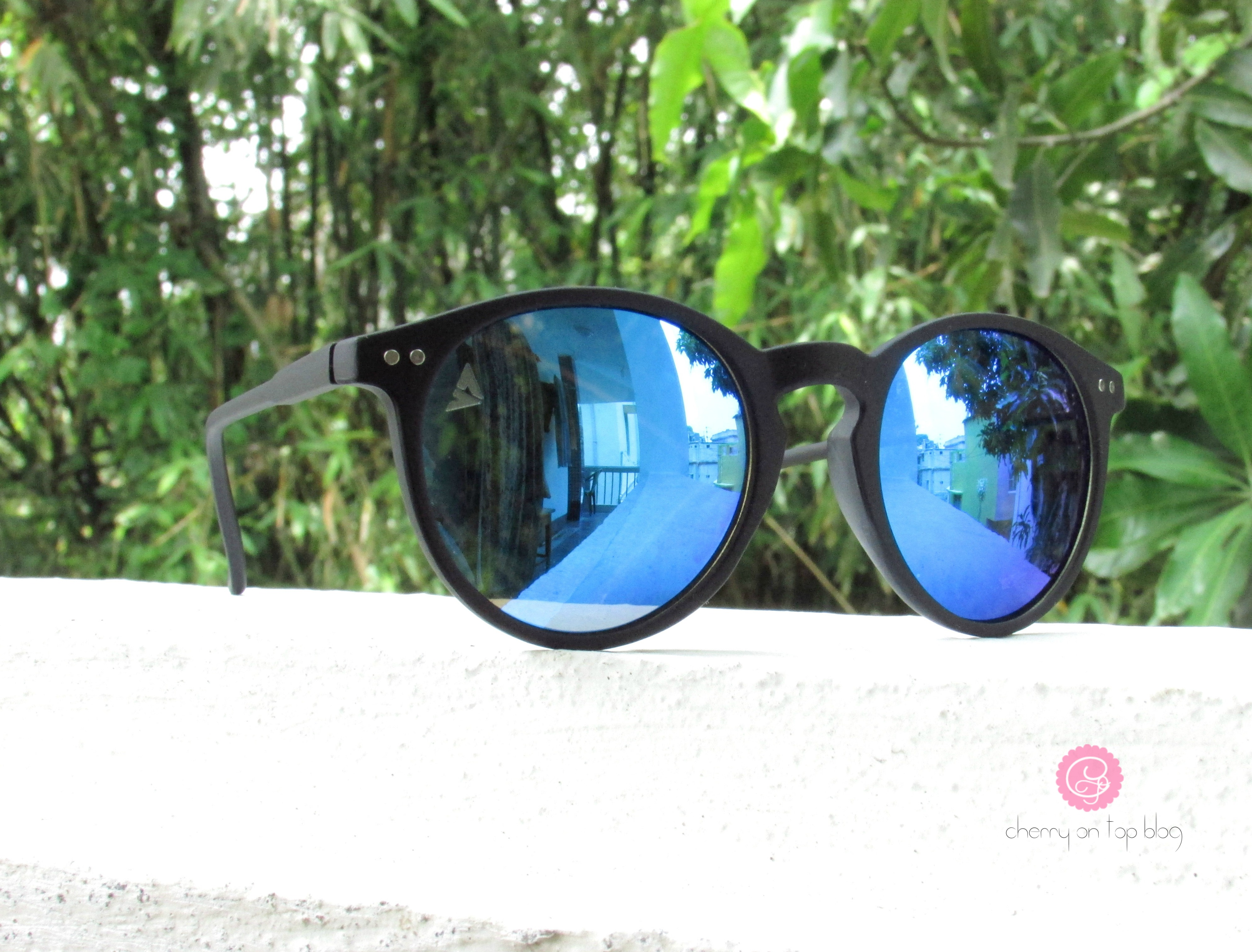 Shades of Summer|Vincent Chase Reflectors| cherryontopblog.com