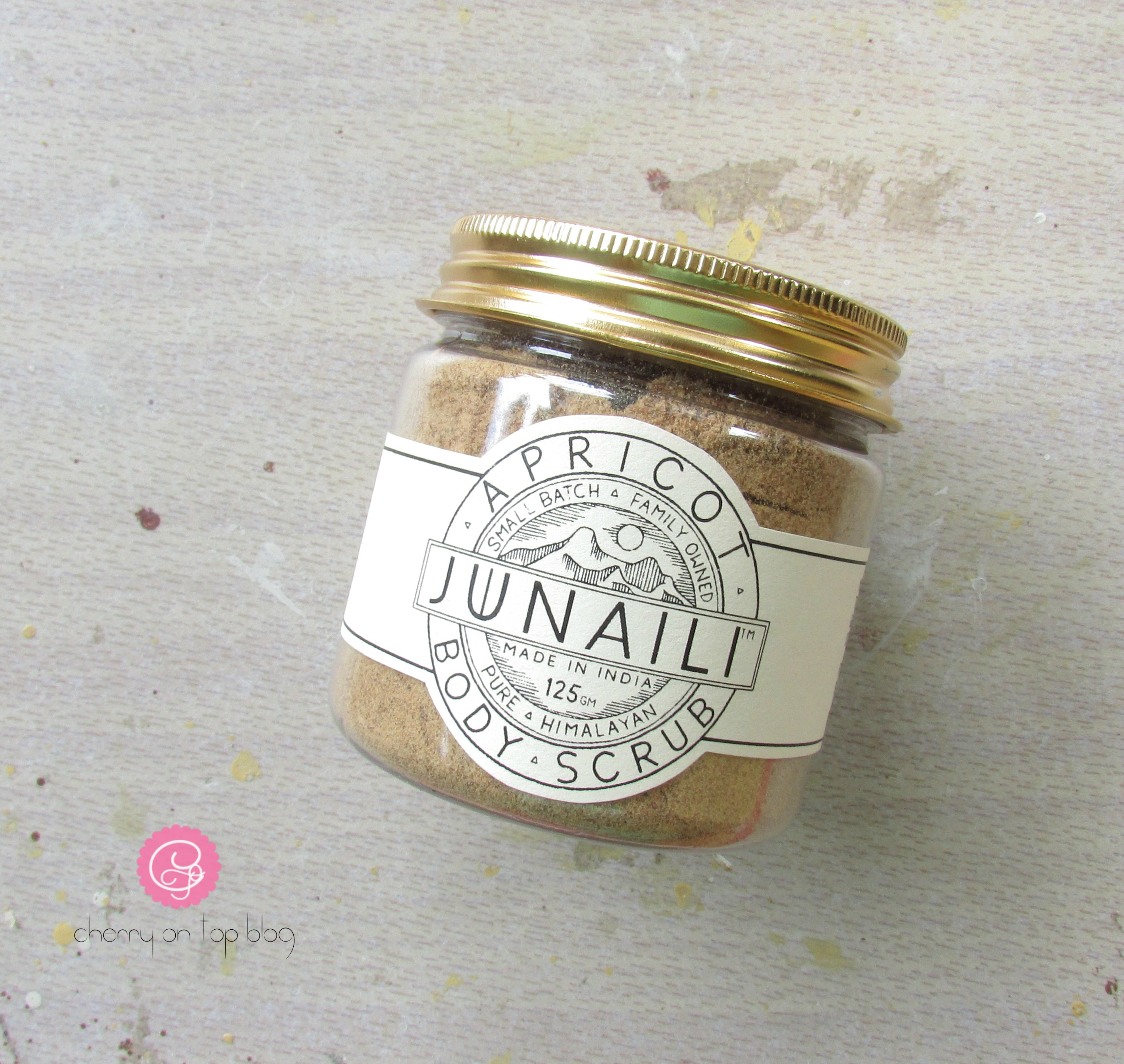 Junaili Apricot Body Scrub| Cherry On Top