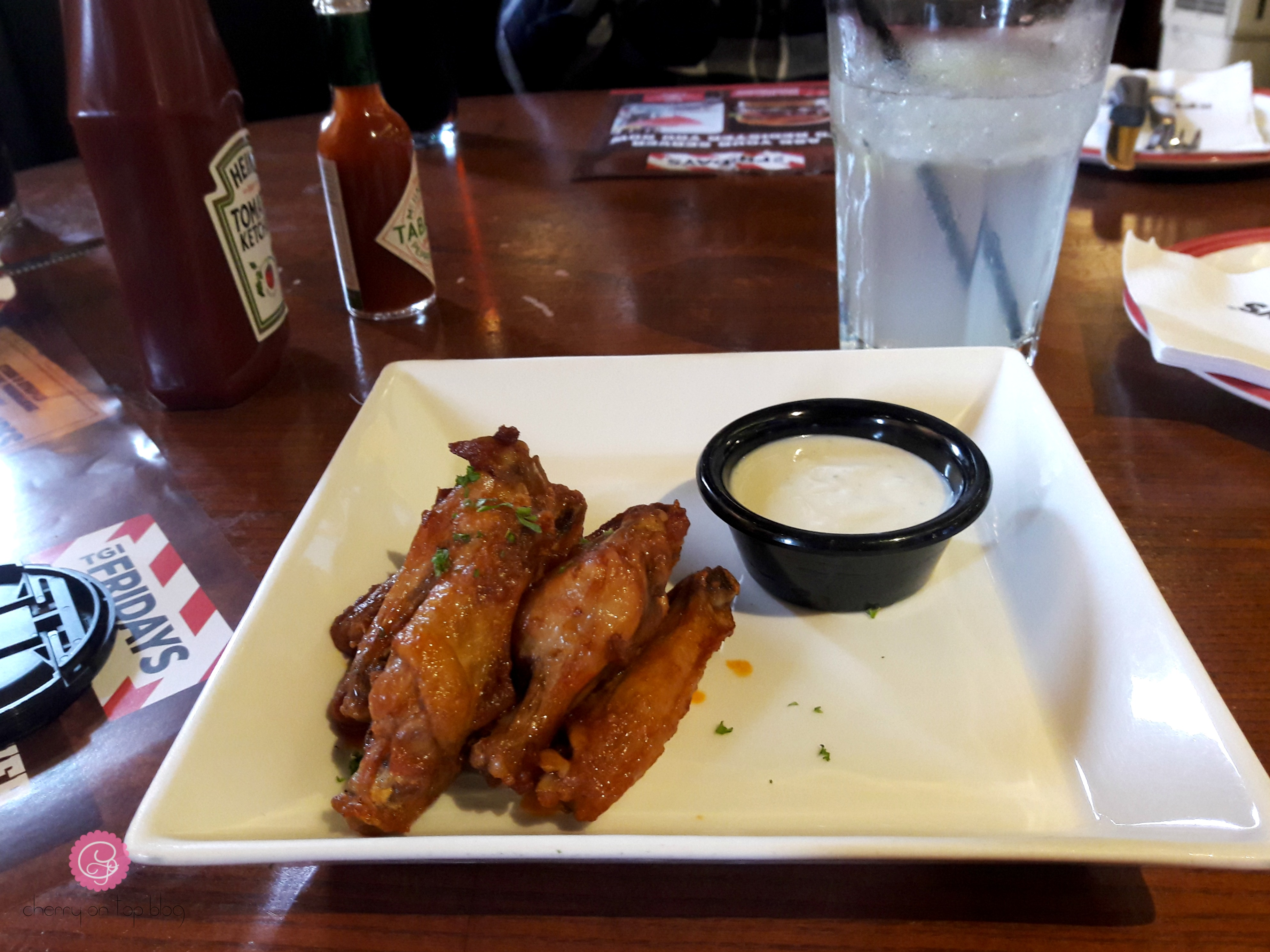 My First Time at TGI Fridays, Kolkata Review| Cherry On Top