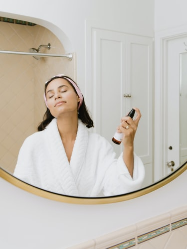 minimalist skincare routine for oily skin | Cherry On Top Blog